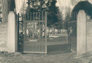 Eingang Friedhof ca. 1955