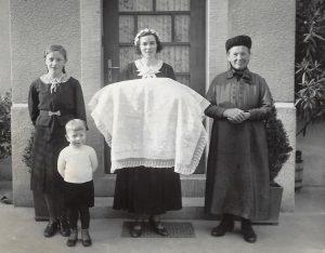 Hebamme Elisabeth Bellm, Maria Walter, Lothar Gärtner Brunnenstr 9