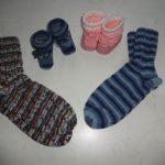Babyschuhe und Wollsocken