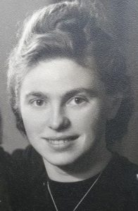 Helene Okomar
